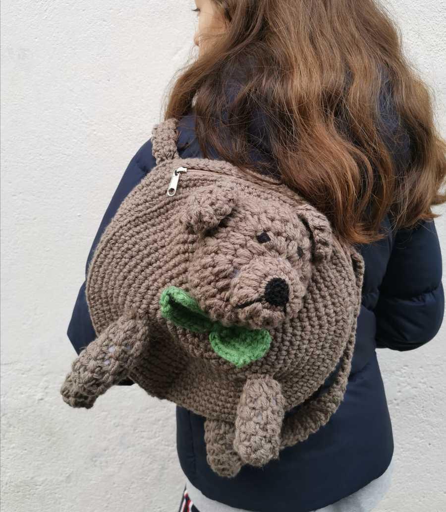 Taller mochila osito de lanas Rubí
